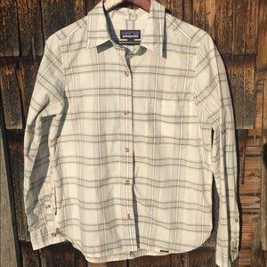 Patagonia Button Down Dress Shirt Size Medium